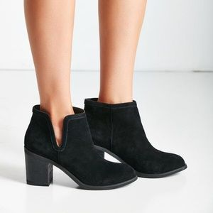 Urban Outfitters Bootie Maude Suede Ankle Boot